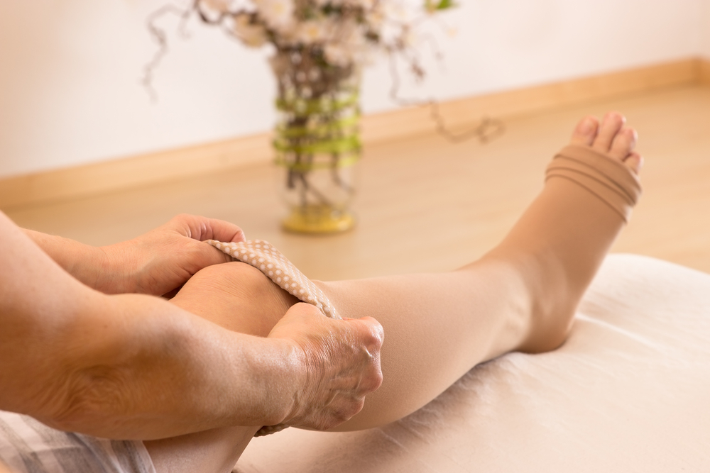 Come infilare le calze elastiche